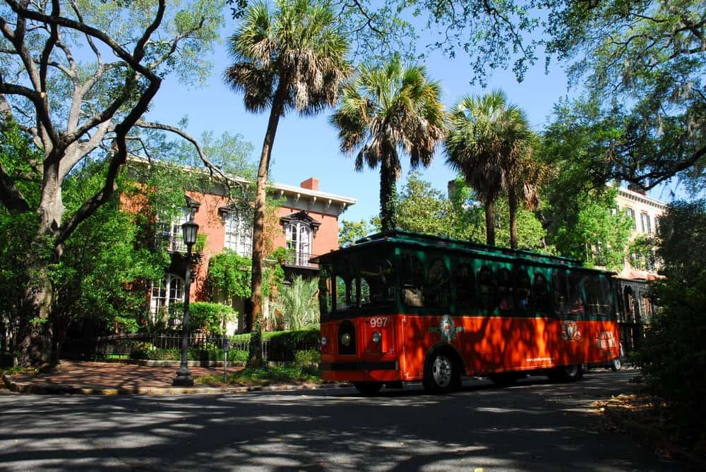 old town trolley tours courtesy of old town trolley