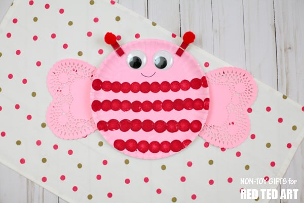 Make A Cute Love Bug From Paper Plate And Doilies